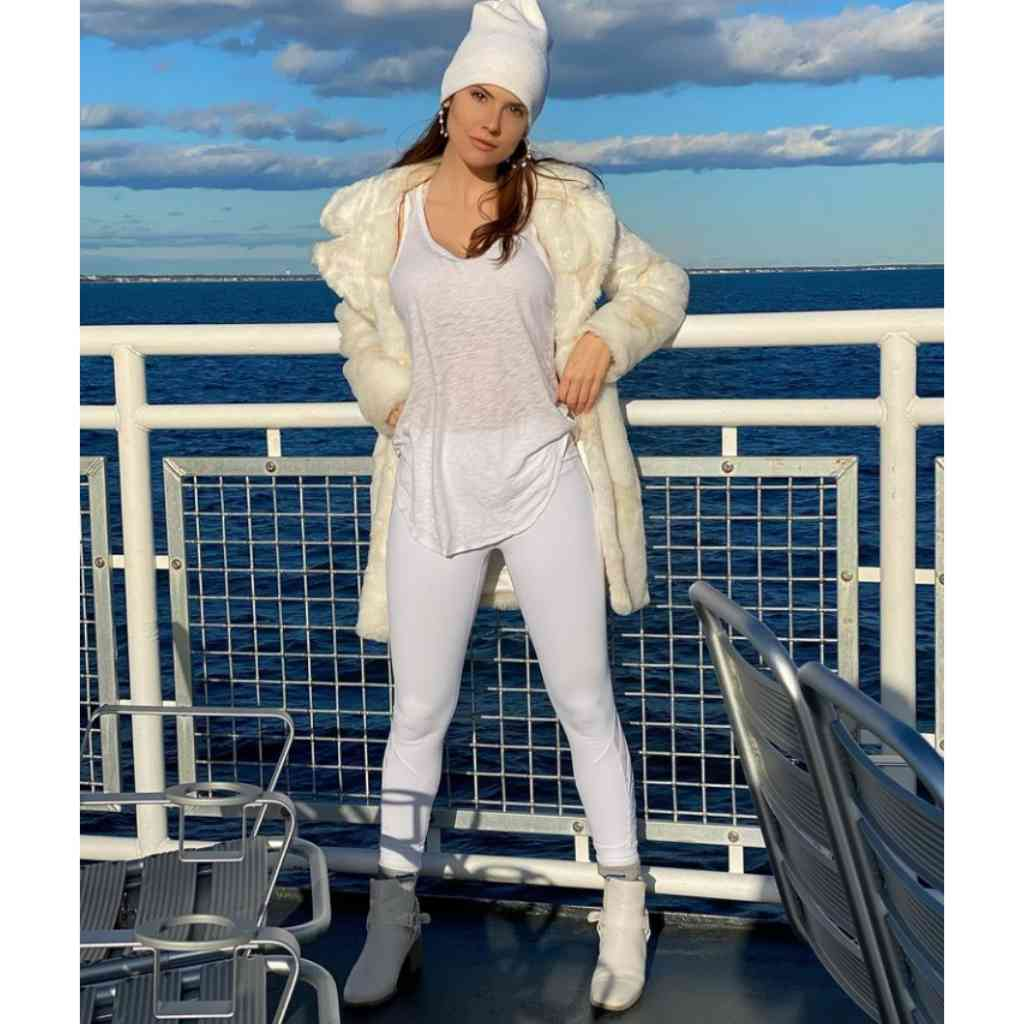 Hight nd age of Amanda Cerny