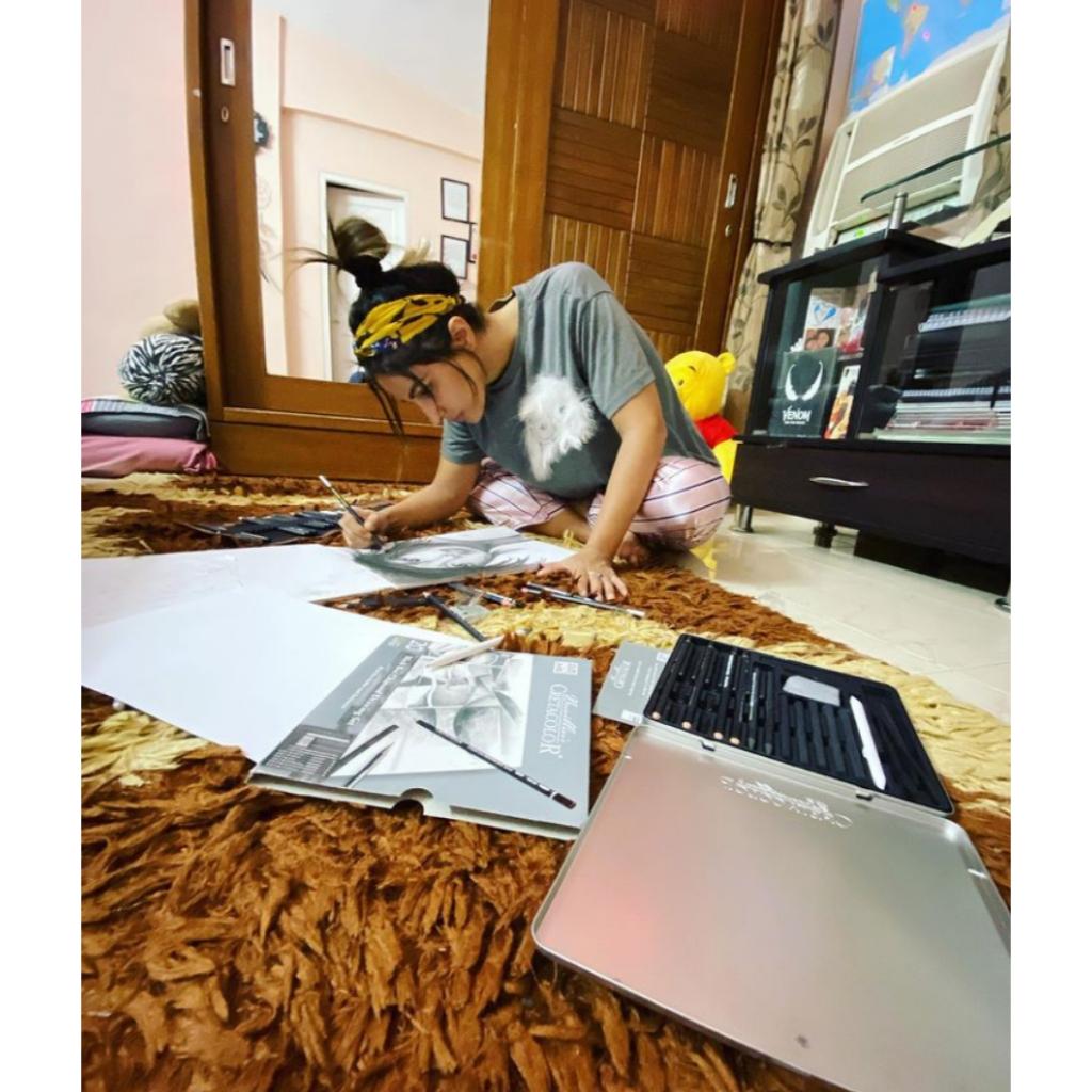 Hina khan Hobbies
